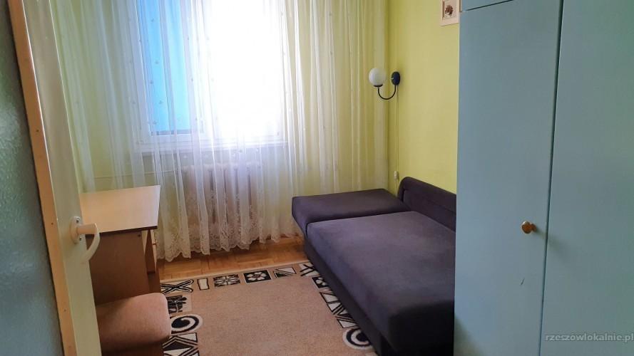 3 pokoje (2x1os. 1x2os) przy Rejtana